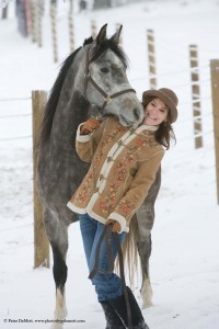 Senior portraits with horse in snow